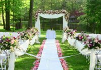 Garden Weddings are Amusing as Gardens Give Full Space for Organizing Every Detail